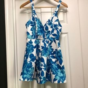 Minkpink Blue & White Floral Romper Size Small